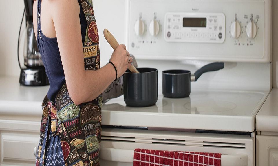 Thuis beter leren koken? 5 tips van tv-kok Julius Jaspers