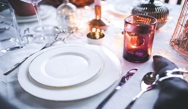 Etiquette: Tafeldekken, tafelmanieren, hoe zit dat ook al weer?